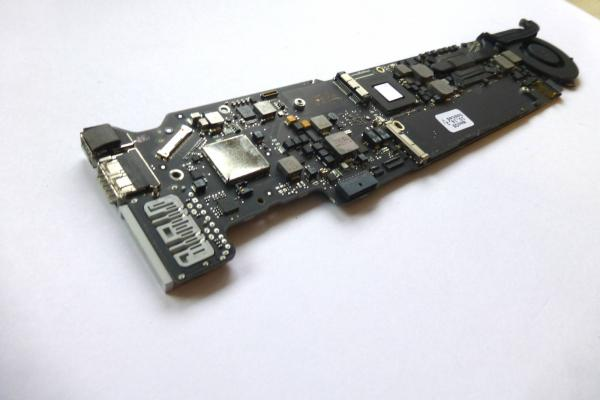 LogicBoard 820-3209-A 661-6631 661-6632 i5 1.8 GHz 8GB Mainboard MacBook Air 13 inch A1466 2012 sparepart detail image one