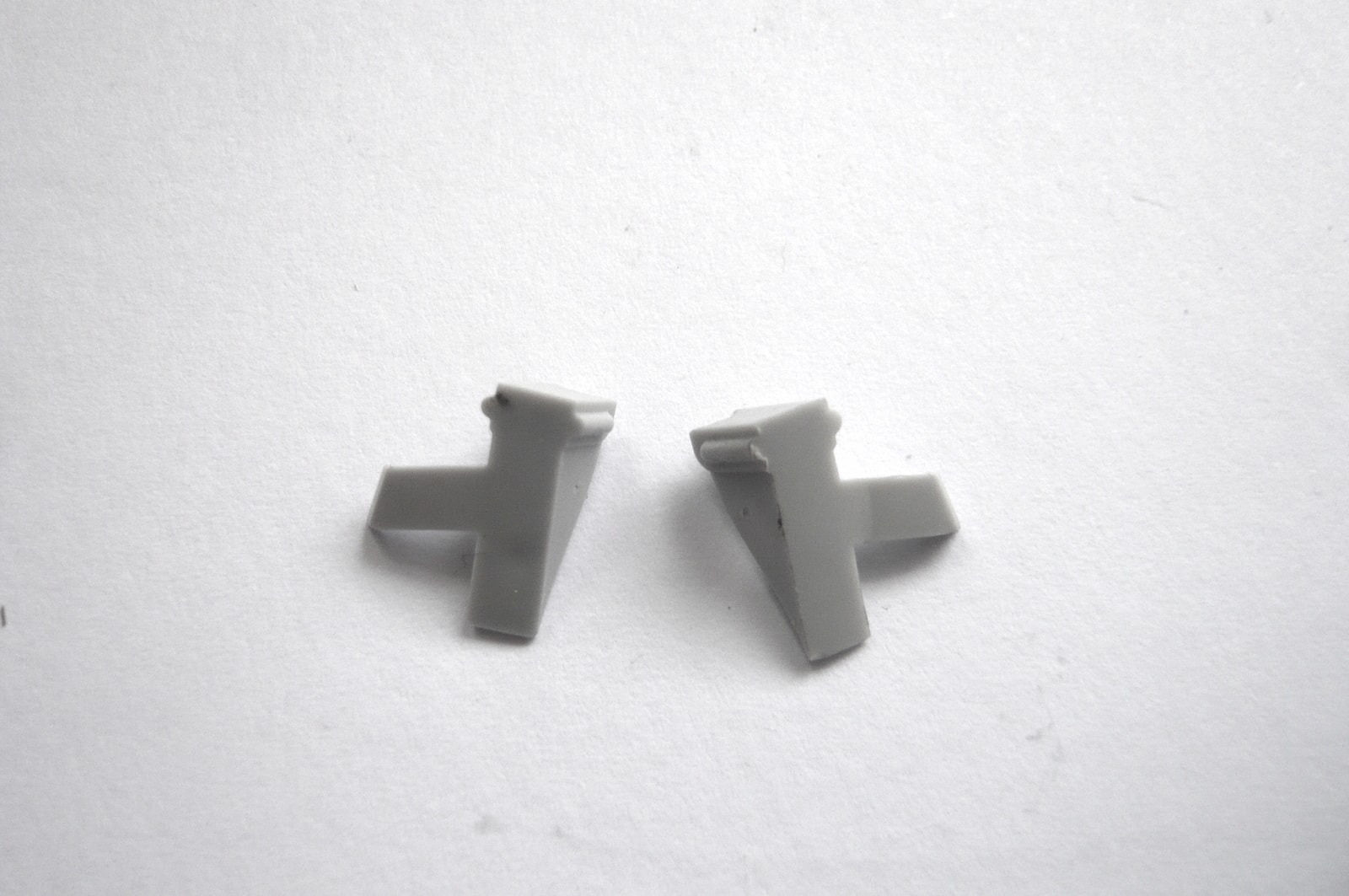 """RIGHT DISPLAY HINGE CLAMP Apple MacBook 13/"""" A1181 Late 2007 2008 Mid 2009"""