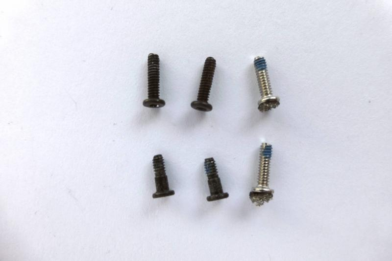 Speaker Screws Apple MacBook 13 inch A1425 Original sparepart main image